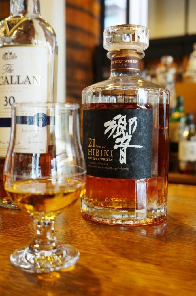 Rượu Hibiki 21 của Nhật là loại rượu rất rất ngon đã đạt được nhiều giải thưởng danh giá