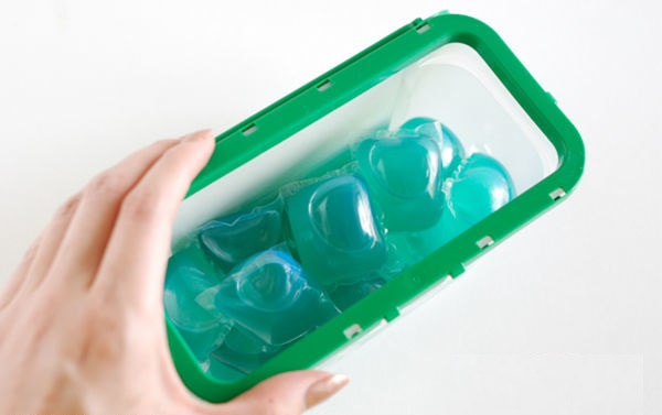 Hộp viên giặt xả Gel Ball Ariel xanh lá