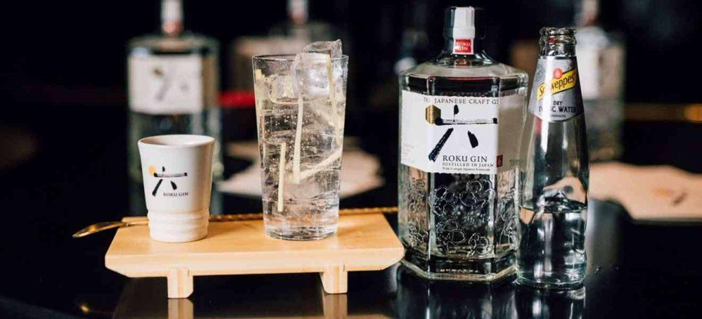 Tonic kết hợp với rượu Roku Gin rất đáng để thử